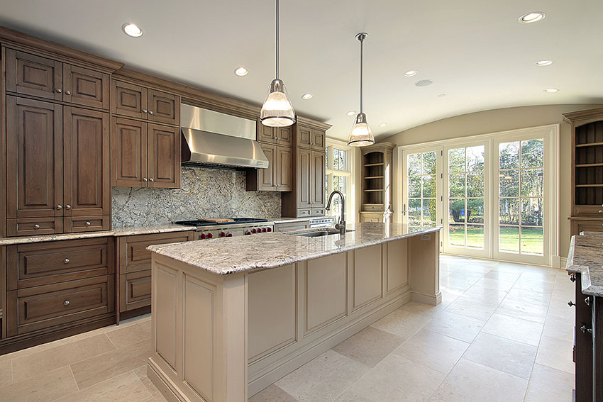 Luxury-Kitchen---Auburn-Cabinets-with-Vanilla-Glaze-Island ...